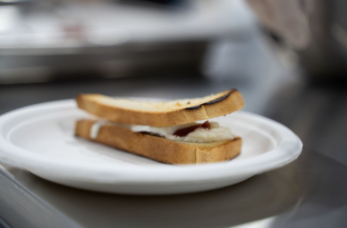 sandwich con burro noisette, bitto e bresaola Valtellina